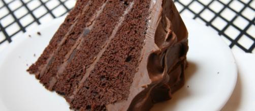 Ricetta devil food cake con ganache al cioccolato.