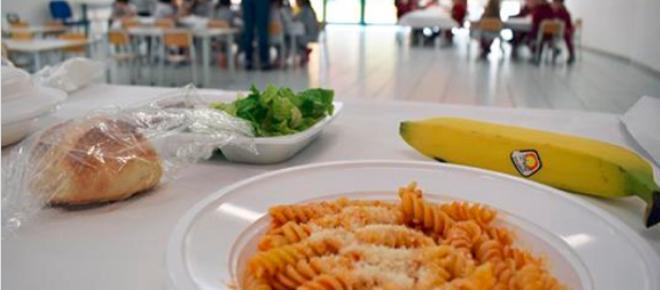Caserta, cibo scaduto all'asilo, una mamma denuncia: 'A mia figlia bruciava la bocca'