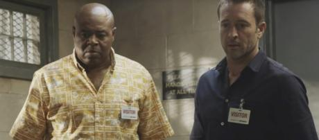 Captain Grover and McGarrett (Alex O'Loughlin) take fighting against hatred to heart on Hawaii Five-O.[Image source-TV Queens-YouTube]