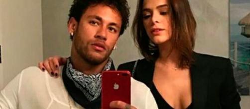 A atriz não quis saber de ver as postagens do craque e nem ele acompanhar as dela (Reprodução/Instagram)