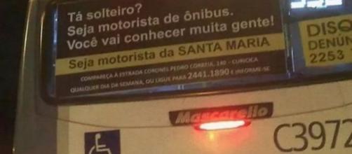 Ônibus com mensagem reveladora