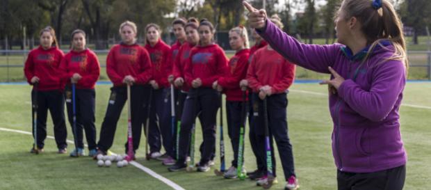 Deportes en niños y adolescentes deben ser supervisados por un entrenador profesional.