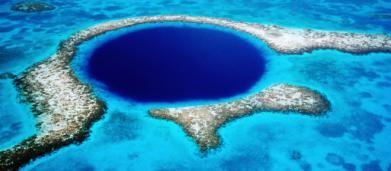 Team di ricerca esplora per la prima volta l'interno del misterioso Blue Hole del Belize