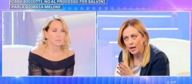 Pomeriggio 5, Giorgia Meloni accusa ex ministri di favoreggiamento dell'immigrazione