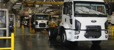 Caminhões deixarão de ser fabricados no Brasil (Crédito: Divulgação).