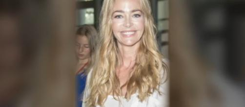 Denise Richards joins B&B as Shawna, (Image Source: Watch Entertainment-YouTube.)