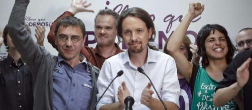 La Guardia Civil corta un enganche ilegal a Podemos en una sede local