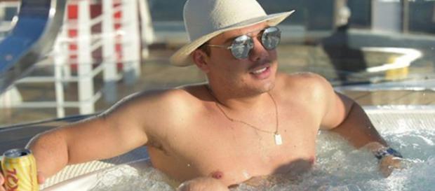 Cantor Wesley Safadão em cruzeiro (Foto: Instagram)