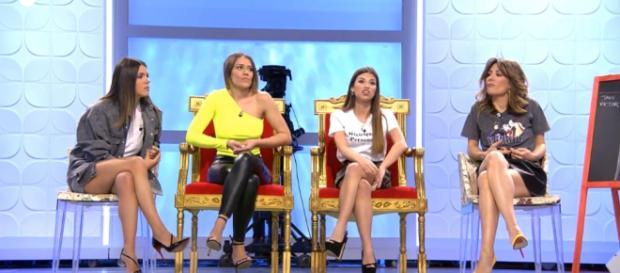 Silvia y Jenni tienen una discusión en plató (Mediaset)