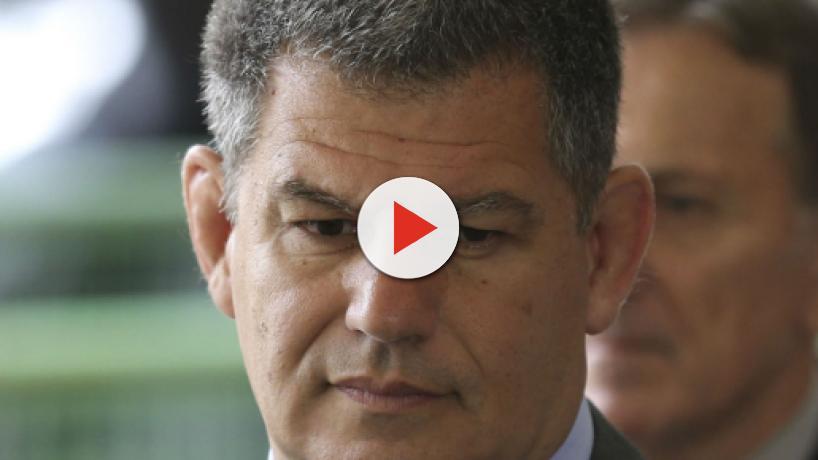 Bebianno diz que tem 'amor' e 'afeto' por Bolsonaro e ataca Carlos, filho do presidente
