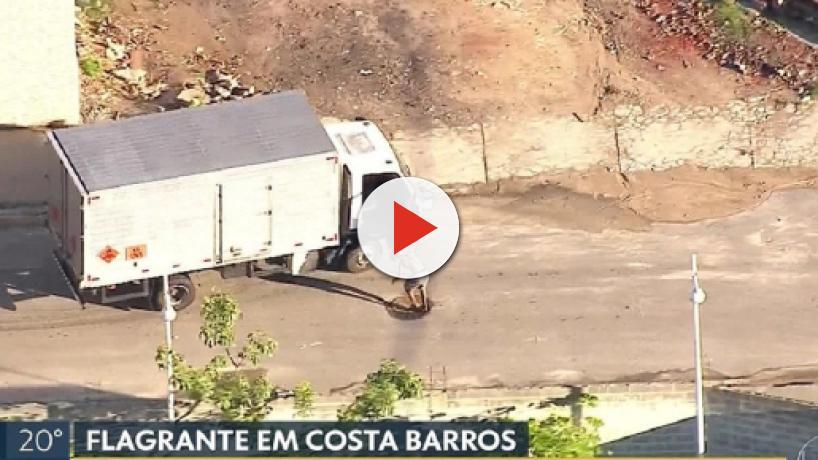 TV flagra motorista e ajudantes sendo ameaçados em tentativa de roubo de carga no Rio
