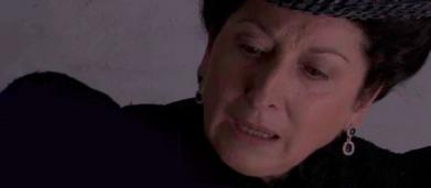 Trame Una Vita: Ursula scopre che Olga ha un marchio inciso sul corpo