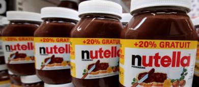 Francia, Ferrero ferma la produzione di Nutella e Kinder Bueno: 'Problema di qualità'