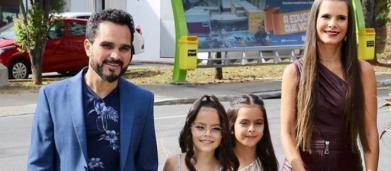 Luciano Camargo celebra aniversário das filhas gêmeas com festão em SP