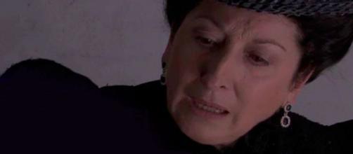 Anticipazioni Una Vita: Ursula scopre che Olga ha un marchio inciso sul corpo