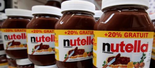 Francia, fermata la produzione di Nutella e Kinder Bueno: 'Problema di qualità'