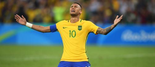 Neymar ignora titulo de melhor jogador pós-Pelé (Foto: Banco de Dados)