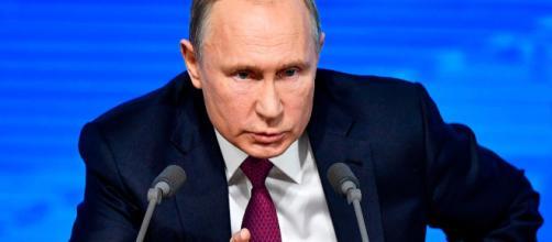 Vladimir Putin avverte gli Usa sul riposizionamento dei missili.