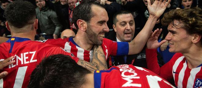 Giménez y Godín, goleadores inesperados de una noche mágica en el Metropolitano
