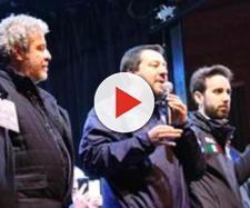 Matteo Salvini sul palco di Bari