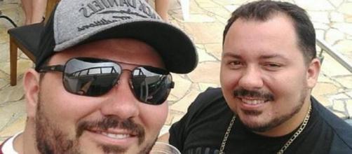 Antonio e Jeferson, seu irmão do meio - (Foto: Antonio Nunes/Arquivo pessoal)