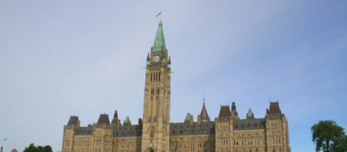 Canada's main parliamentary building and center of government. [Image via wnk1029 - Pixabay]