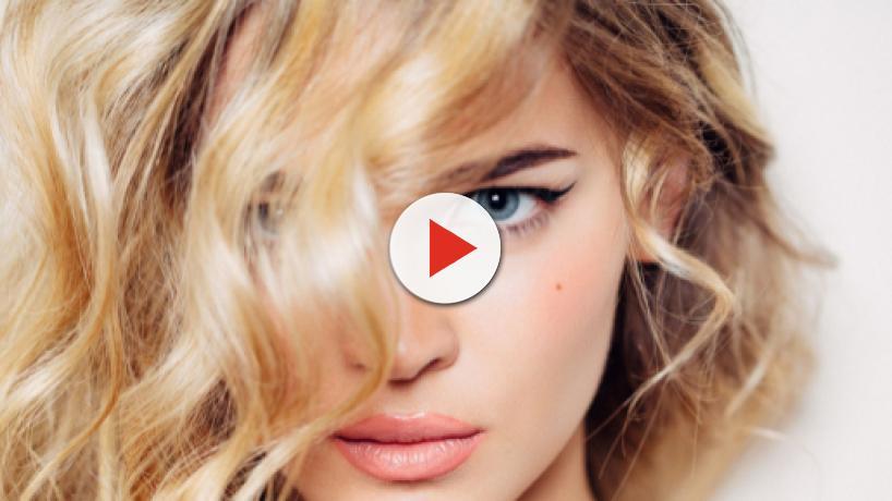 Tagli di capelli per la primavera: il mullet e le chiome mosse