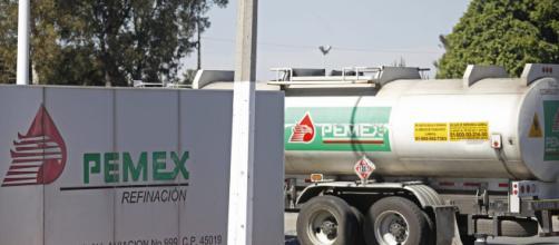 Pemex anuncia nuevo descenso en las importaciones petroleras.