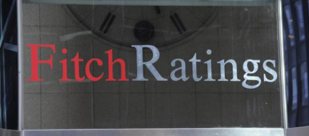 Fitch conferma rating dell'Italia ma abbassa l'outlook - fanpage.it