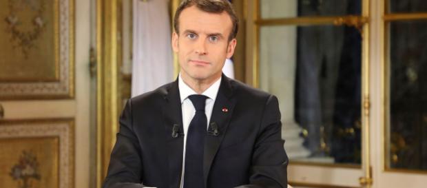 Le Président de la République est parti à la reconquête de l'opinion.