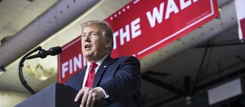 Trump enfrenta retrasos en la obtención del dinero para el muro fronterizo. - tenemosnoticias.com