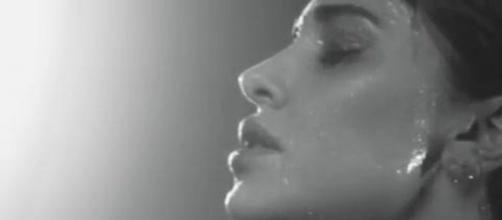 Belen Rodriguez video della doccia