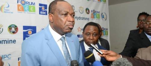 le Ministre de l'Eau et de l'Energie Gaston Eloundou Essomba lors du forum EEC (c) EDC