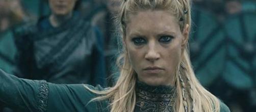 Personagem Lagertha, guerreira viking da série Vikings (Foto: Divulgação/ History Channel)