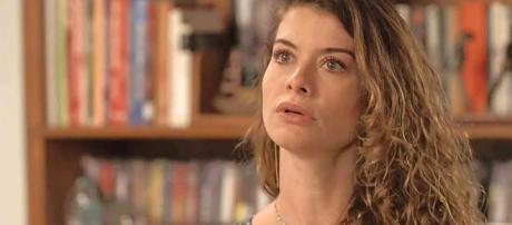 Dora descobrirá gravidez de Julia enquanto Isabel está com Alain e Priscila no Rio (Reprodução/Gshow)