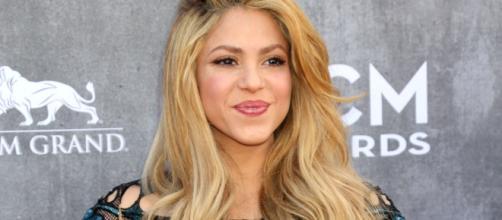 Shakira demandada por evadir el pago de impuestos