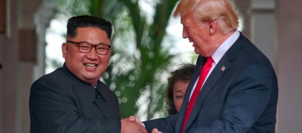 """Confiant, Donald Trump assure qu'il n'y a """"plus de menace"""""""