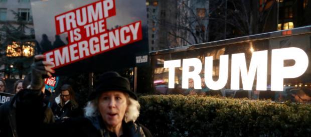 Demócratas votan para anular la declaración de emergencia de Trump. - univision.com