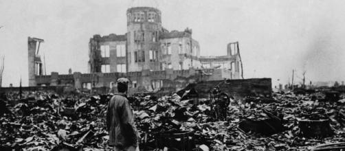 Immagine dell'olocausto in cui vennero uccisi milioni di ebrei innocenti