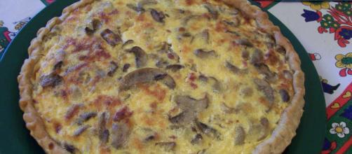 Ricetta quiche ai funghi in crosta di patate dolci.