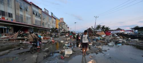 Sismo en Indonesia deja a numerosas familias desplazadas. - cnn.com