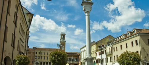 Un'immagine di Piazza Vittorio Emanuele di Rovigo
