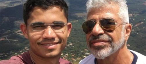 Clebson Teixeira e Lulu Santos assumiram o namoro ao público no ano passado. (Foto Reprodução / Instagram)