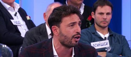 Uomini e donne, Trono Over: nuove accuse di Armando Incarnato