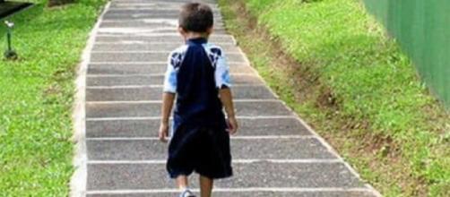 Bimbo di 8 anni abbadonato dai genitori a Carmagnola (TO)