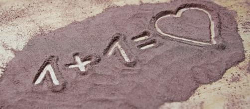 20dd122949 San Valentino 2019: le frasi d'amore più originali da inviare al vostro  partner