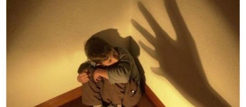 A mãe da criança foi indiciadas por tortura (foto : ilustrativa)