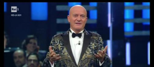 Claudio Bisio e la gaffe sui migranti durante il suo monologo a Sanremo