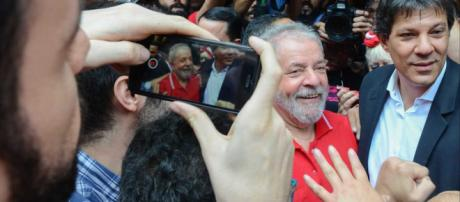 Petistas temem futuro de Lula em presídio comum - (Rovena Rosa/Agência Brasil)