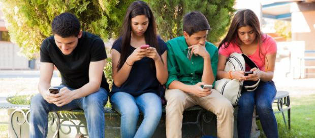 Social network, 4 adolescenti su 10 conoscono solo la metà dei ... - skuola.net